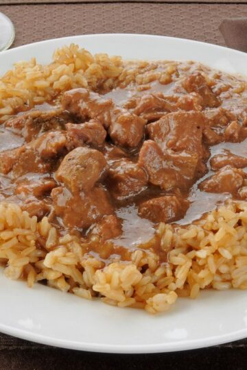 Beef Tips with Gravy and Rice